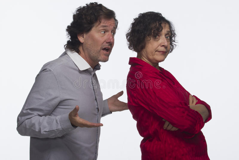 互相懊恼的夫妇,水平 库存图片