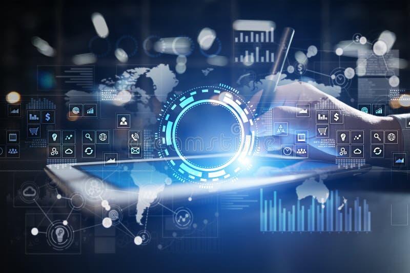互联网、企业和技术概念 在虚屏上的象、图和图表背景 免版税库存照片