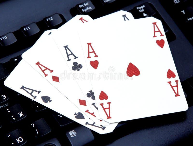 互联网赌博娱乐场啤牌亲切的一点四拟订组合心脏 库存图片