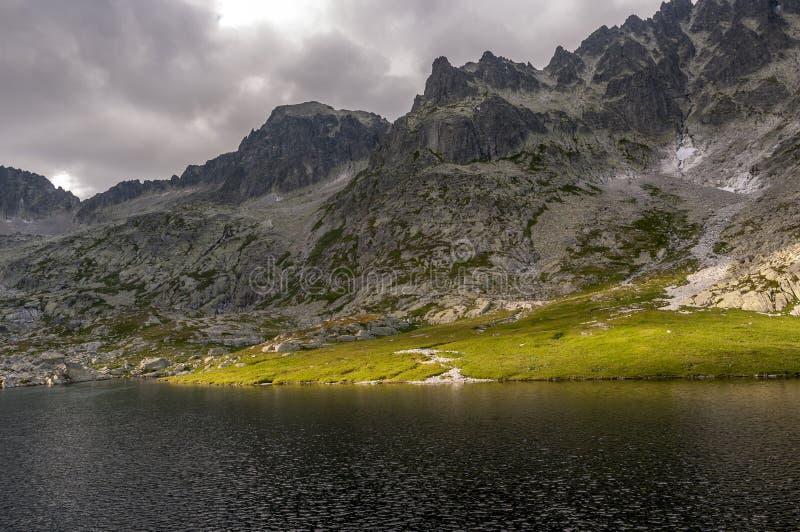 五个spiskie湖谷 高山tatra 斯洛伐克 库存图片