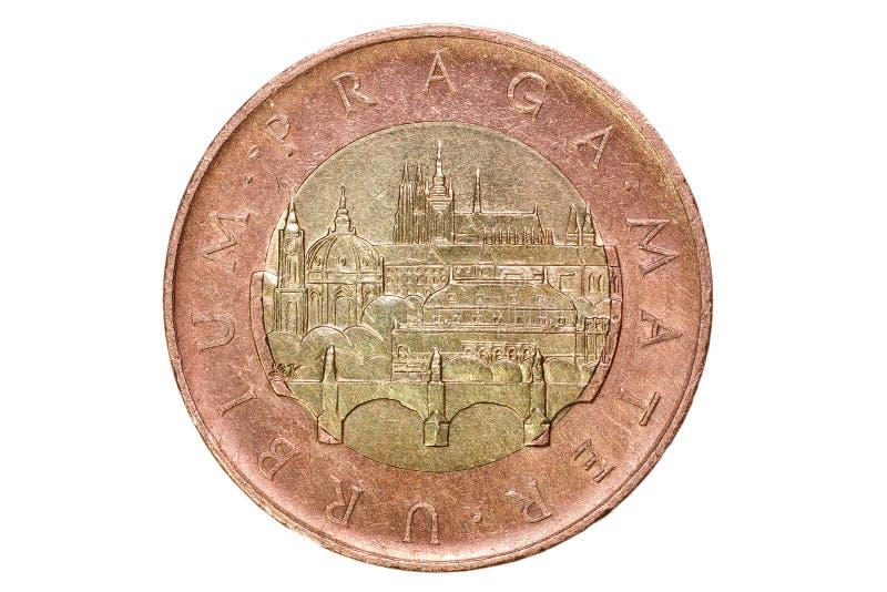 五十个捷克冠 捷克的货币 硬币的宏观照片 布拉格和查理大桥和布拉格Castl看法  库存图片