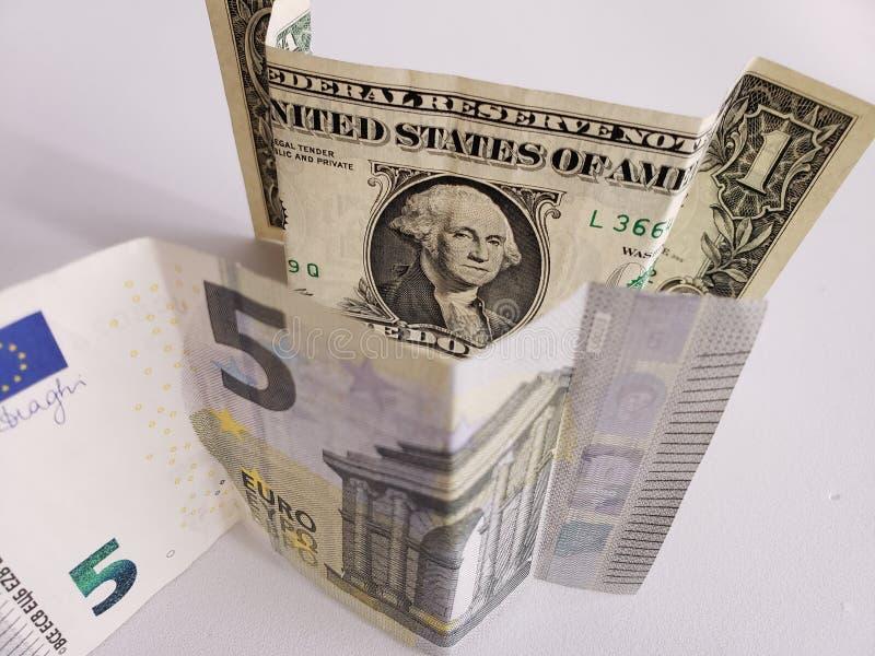五欧元和美国一美金欧洲钞票  免版税库存图片