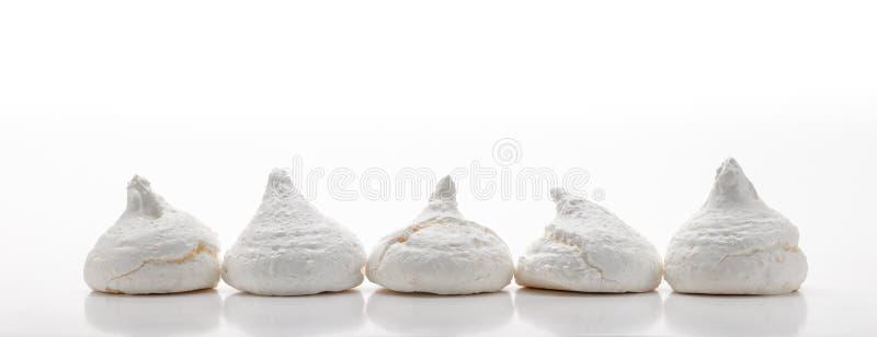 Download 五白色法国蛋白甜饼 库存照片. 图片 包括有 空白, 有阳台, 查出, 特写镜头, 香草, 装饰, 快餐 - 62532934