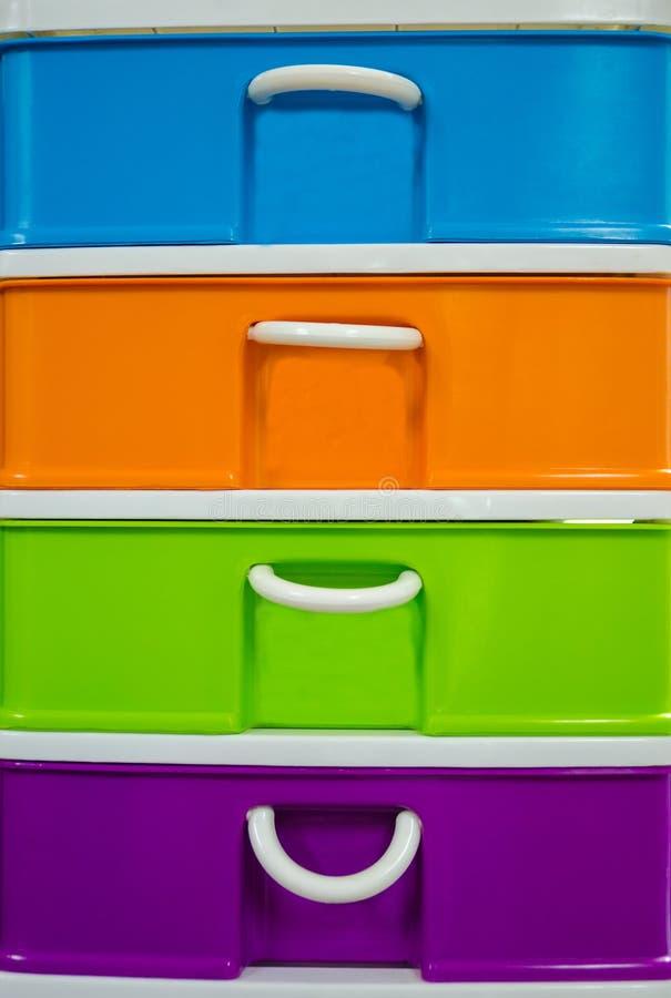 五颜六色塑料抽屉 库存照片