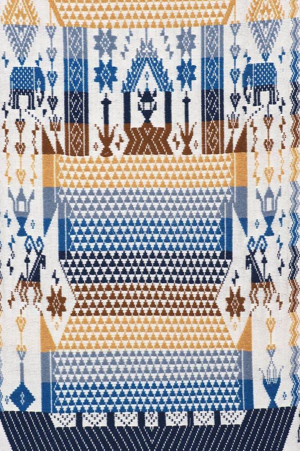 五颜六色泰国手工造秘鲁cutton样式地毯表面关闭  免版税图库摄影