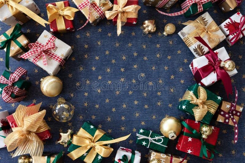 五颜六色的一点圣诞礼物 免版税库存图片