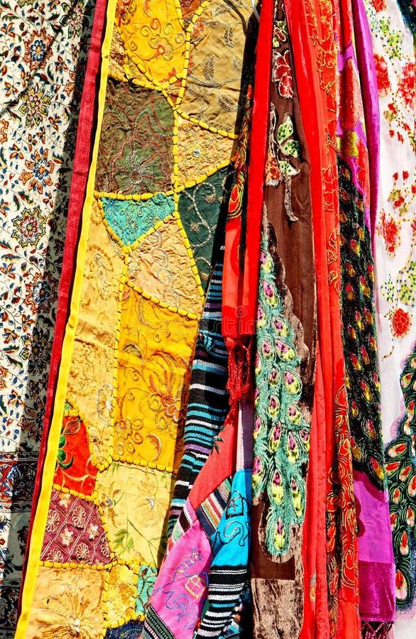 五颜六色的丝织物样品  免版税图库摄影