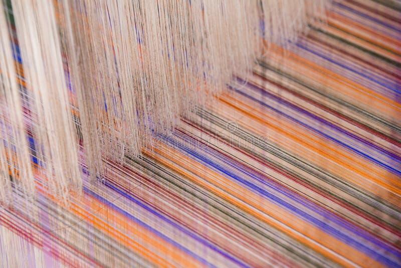 五颜六色的丝绸螺纹 库存照片