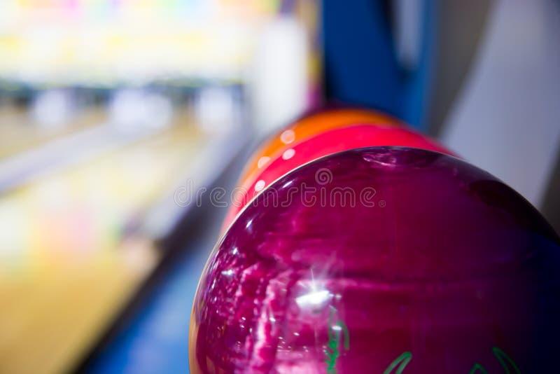五颜六色的保龄球 图库摄影