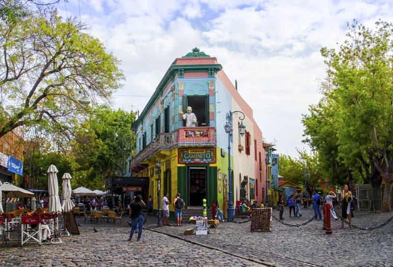 五颜六色的修造的拉博卡,布宜诺斯艾利斯,阿根廷 免版税库存照片