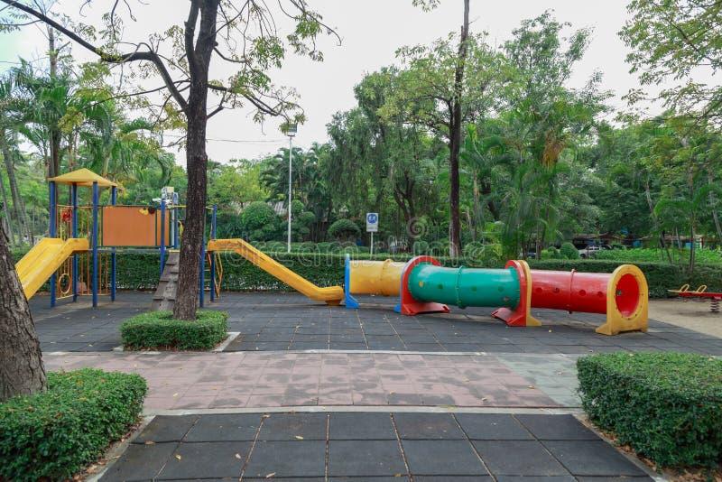 五颜六色的儿童操场 库存照片
