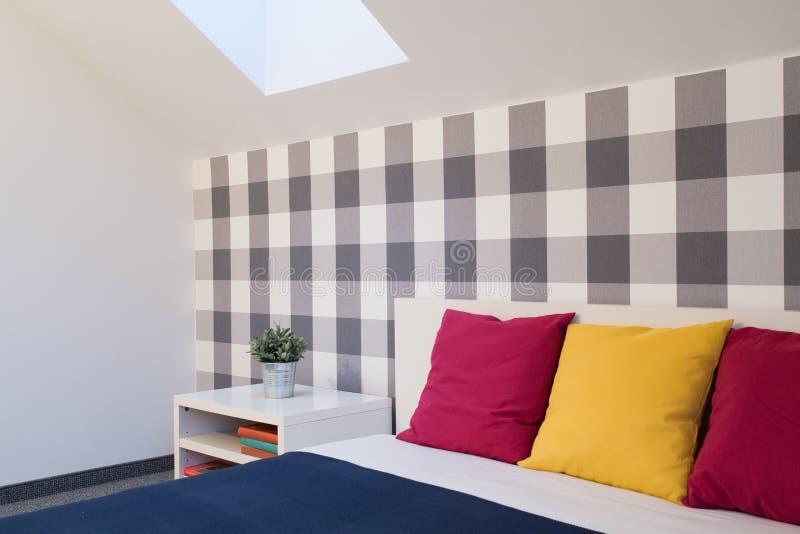 五颜六色的卧室 免版税库存照片