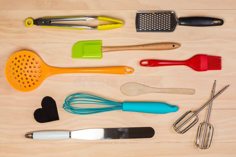 Download 五颜六色的厨房器物 库存图片. 图片 包括有 编排者, 准备, 有阳台, 厨具, 食物, 背包, 厨师, 顶上 - 62528295