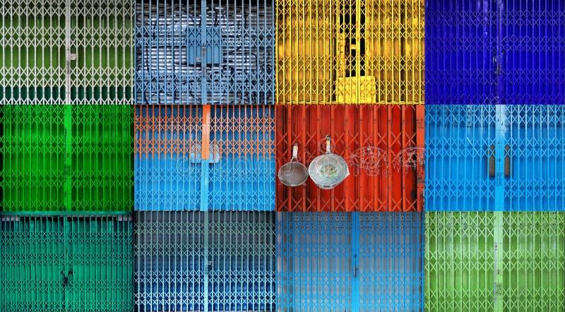五颜六色的可折叠金属门综合 免版税库存照片