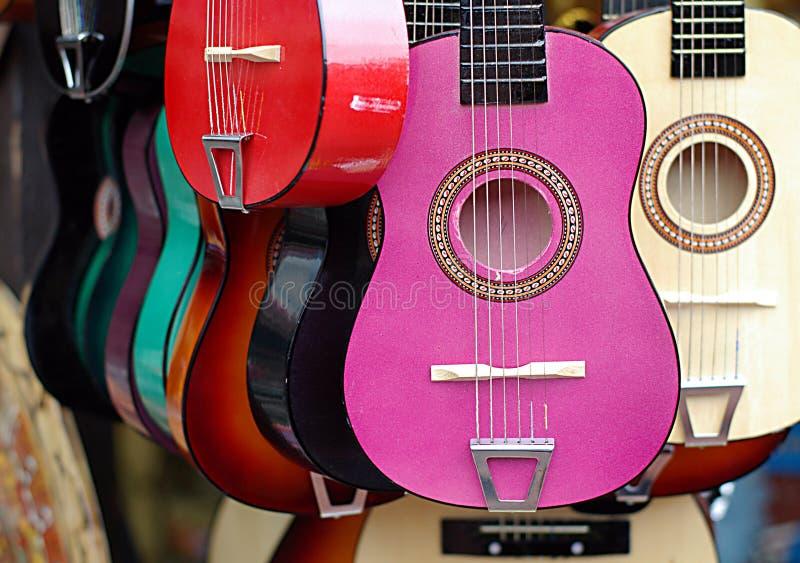五颜六色的吉他仪器音乐界面 免版税库存照片
