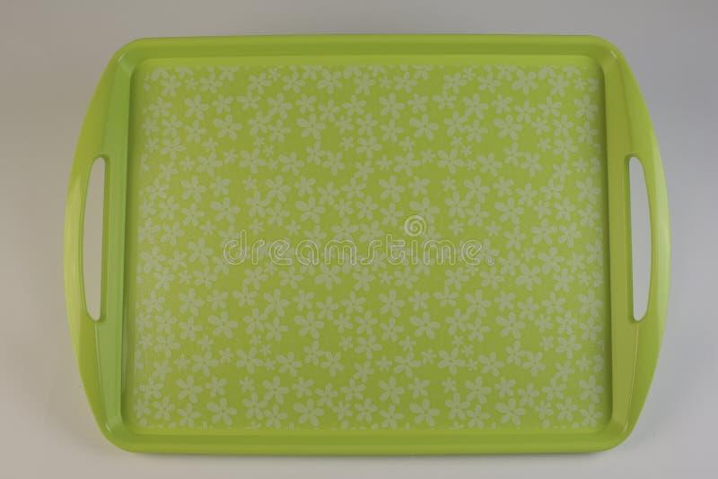 五颜六色的塑料盘子 免版税库存照片