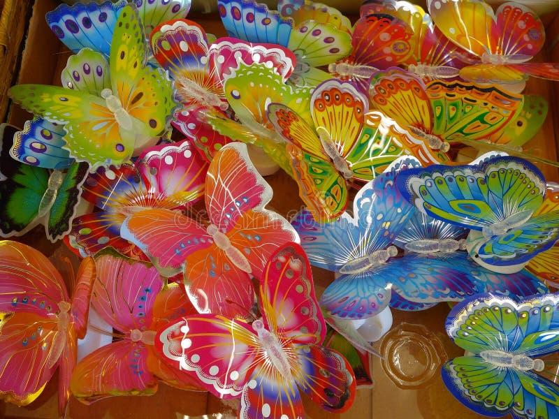 五颜六色的塑料蝴蝶 免版税库存照片