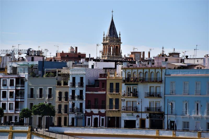 五颜六色的塞维利亚在西班牙 免版税库存图片