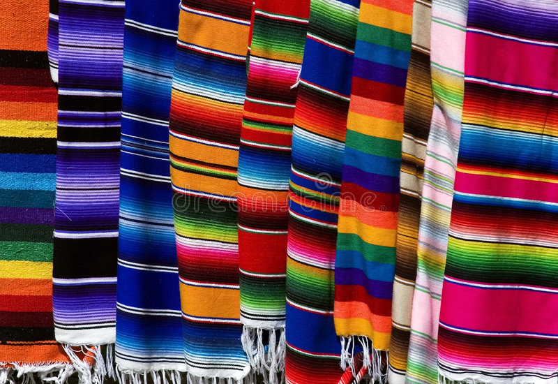 五颜六色的墨西哥serapes 免版税库存照片
