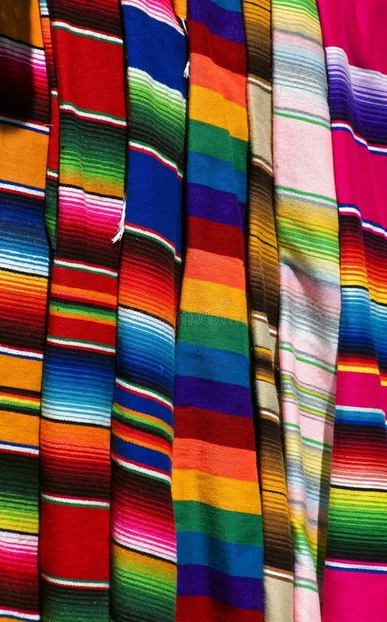 五颜六色的墨西哥serapes 免版税图库摄影