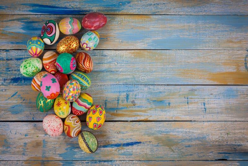 五颜六色的复活节彩蛋集 库存图片