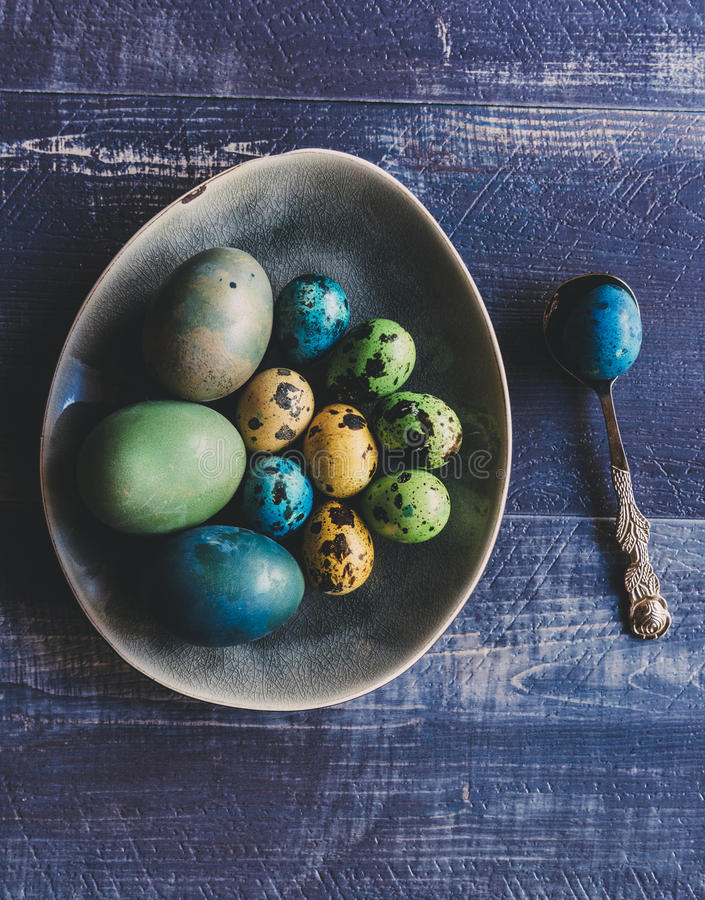 五颜六色的复活节彩蛋 库存图片
