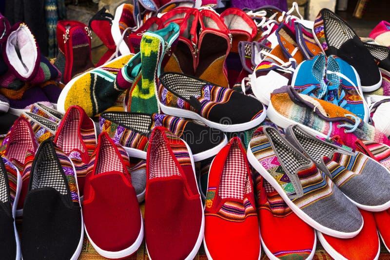 五颜六色的夏天手工制造鞋子 免版税库存照片