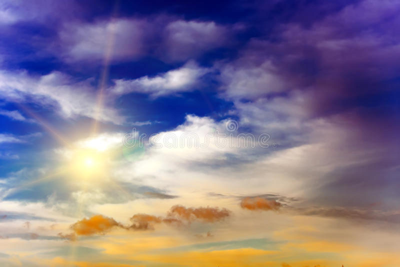Download 五颜六色的天空 库存图片. 图片 包括有 颜色, 平安, 阳光, 黎明, 旅游业, 横向, 紫罗兰色, 春天 - 72360033