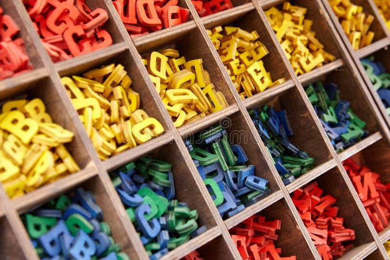 五颜六色的字母表信件的大收藏量 免版税库存照片