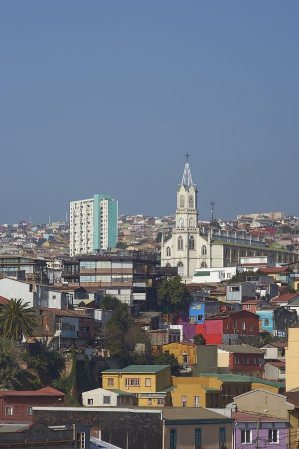 五颜六色的市瓦尔帕莱索,智利 免版税库存图片