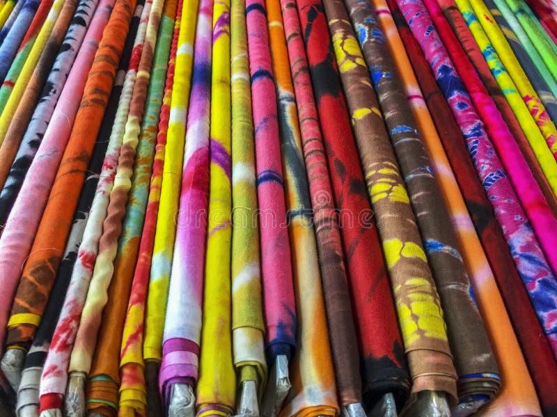 五颜六色的布料螺栓  免版税库存图片