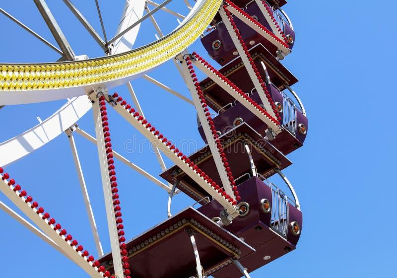 五颜六色的弗累斯大转轮有天空蔚蓝背景和拷贝空间 库存照片
