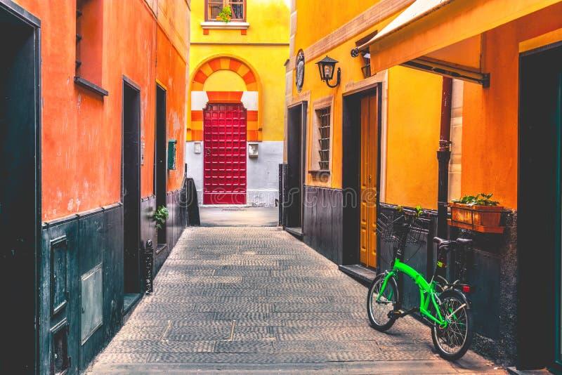 五颜六色的意大利胡同自行车 库存图片