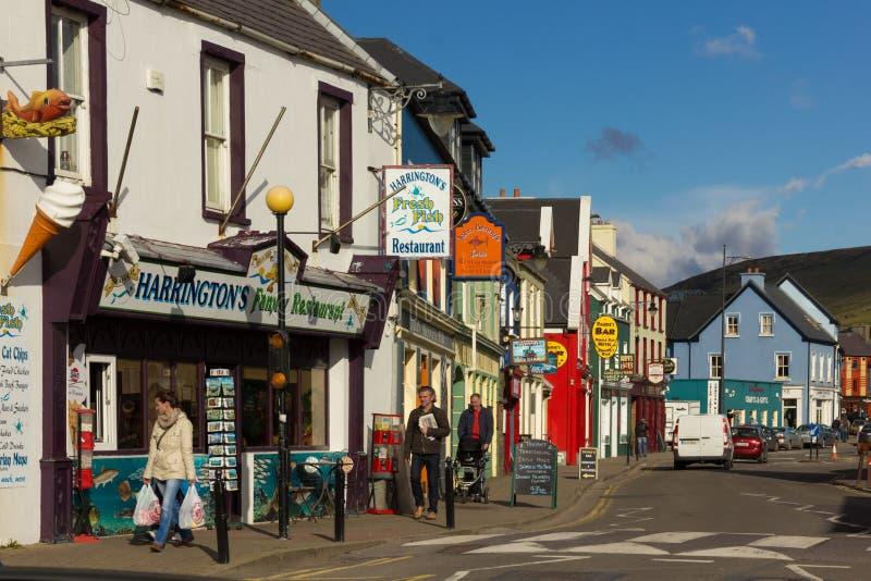 五颜六色的房子 子线街道 幽谷 爱尔兰 免版税库存照片