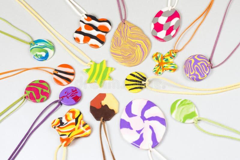 五颜六色的手工制造小装饰品 免版税库存图片