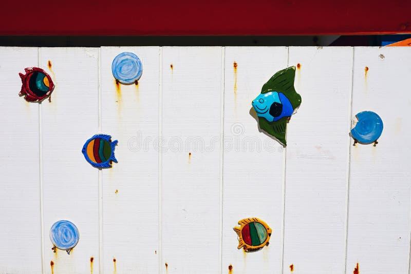 五颜六色的救生员塔的片段在南海滩,迈阿密海滩的 库存照片