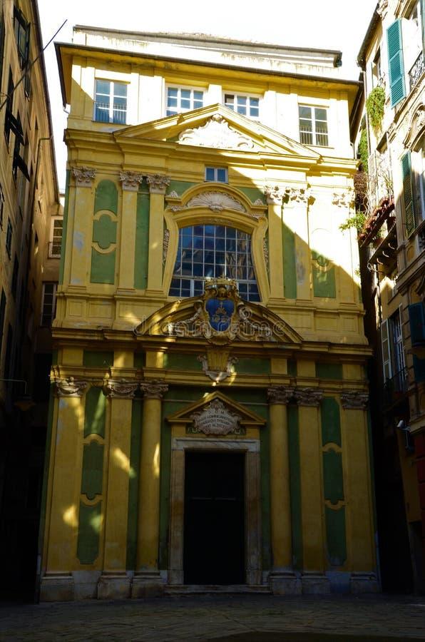 五颜六色的教会外部在热那亚-热那亚地标 免版税库存照片