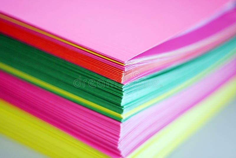 五颜六色的文件夹纸张 免版税库存图片