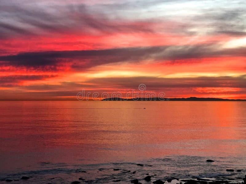五颜六色的日落新港海滨加利福尼亚 免版税库存图片