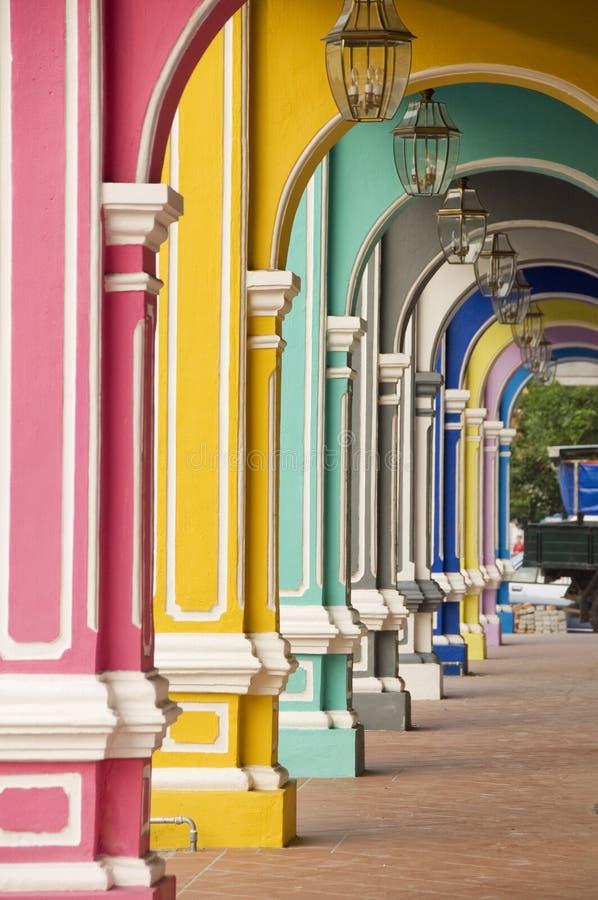 五颜六色的曲拱,槟榔岛马来西亚 免版税库存图片