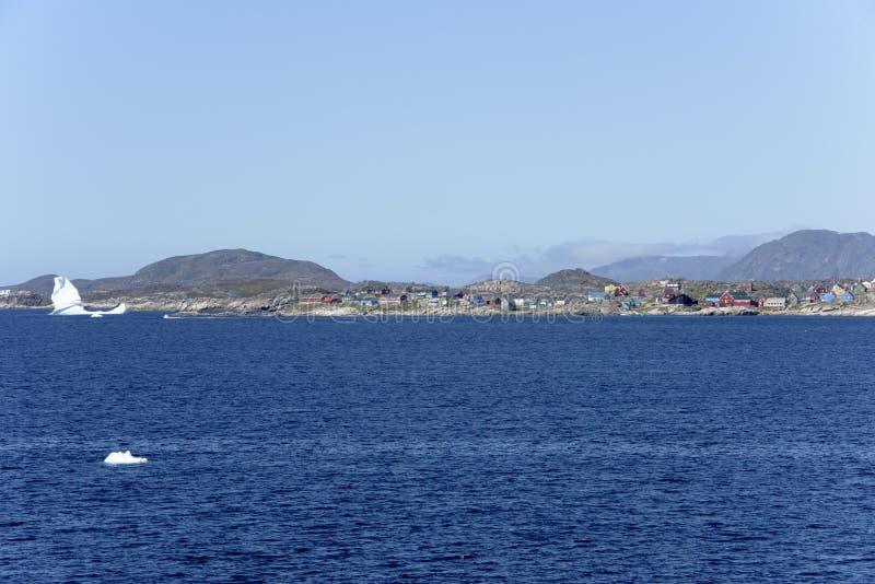 五颜六色的村庄,冰山,格陵兰 库存图片