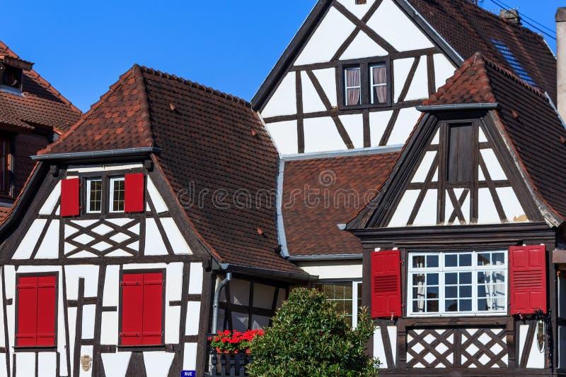 五颜六色的框架房子在阿尔萨斯,法国 库存照片