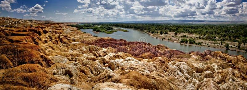 五颜六色的海滩位于新疆 免版税库存照片