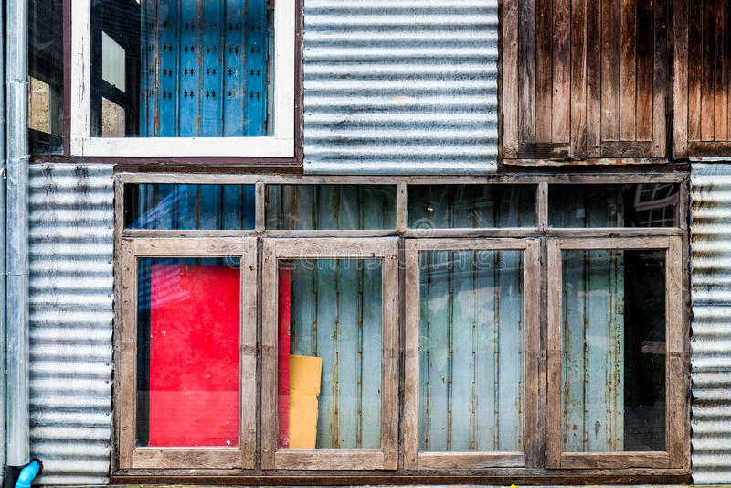 五颜六色的混合物质工业墙壁设计 库存图片