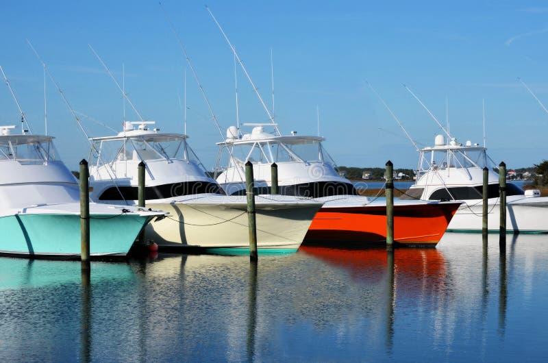 五颜六色的游艇 免版税库存照片