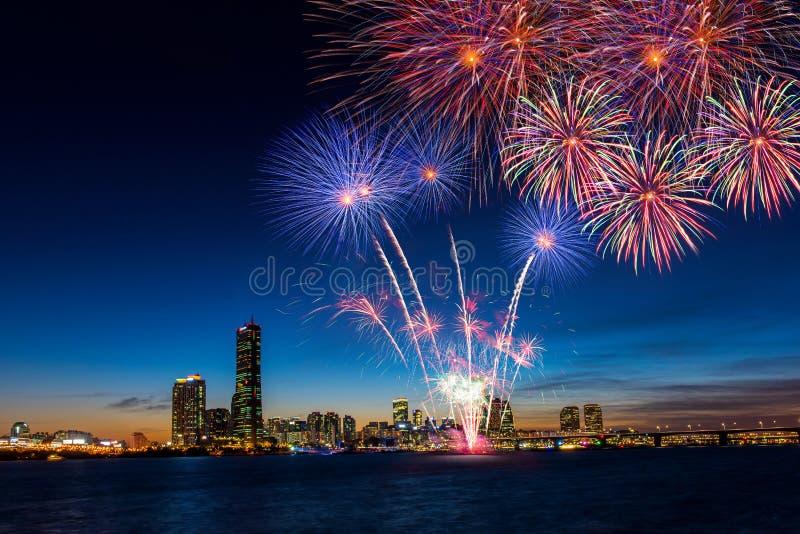 五颜六色的烟花在汉城,韩国 免版税图库摄影
