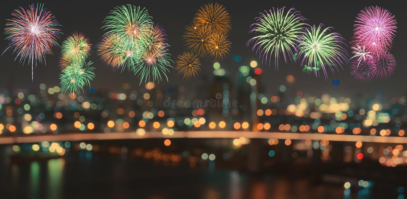 五颜六色的烟花在被弄脏的bokeh城市夜点燃背景 库存照片