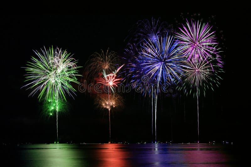 五颜六色的烟花湖 免版税图库摄影