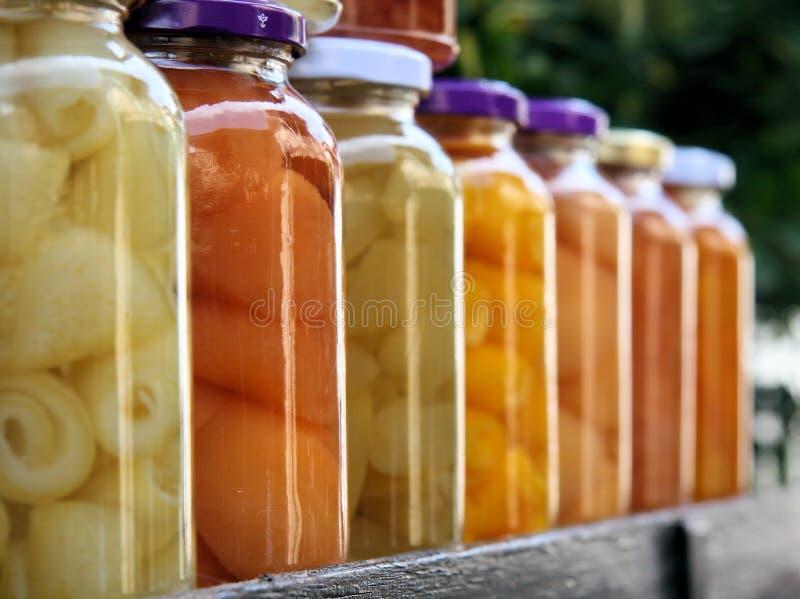 五颜六色的瓶子 免版税库存图片