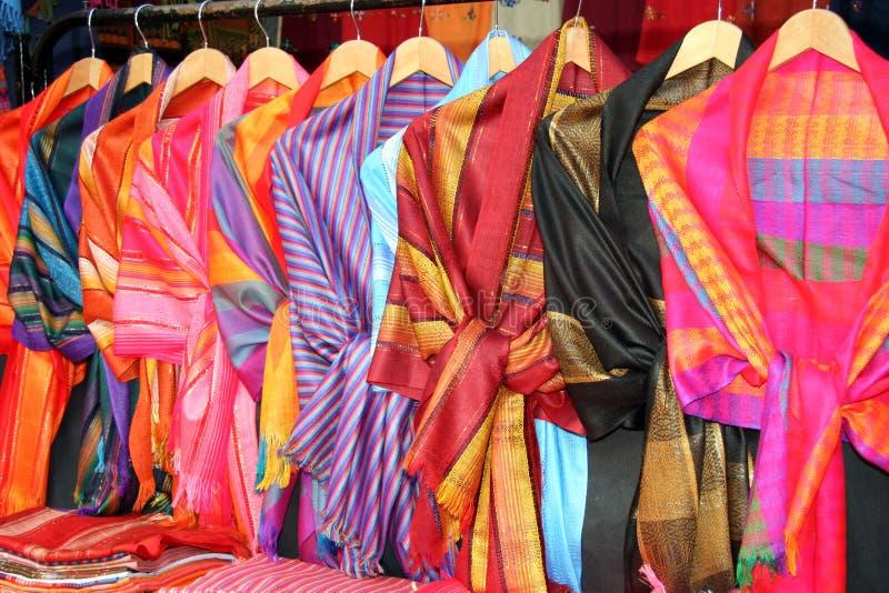 五颜六色的礼服危地马拉人 免版税图库摄影